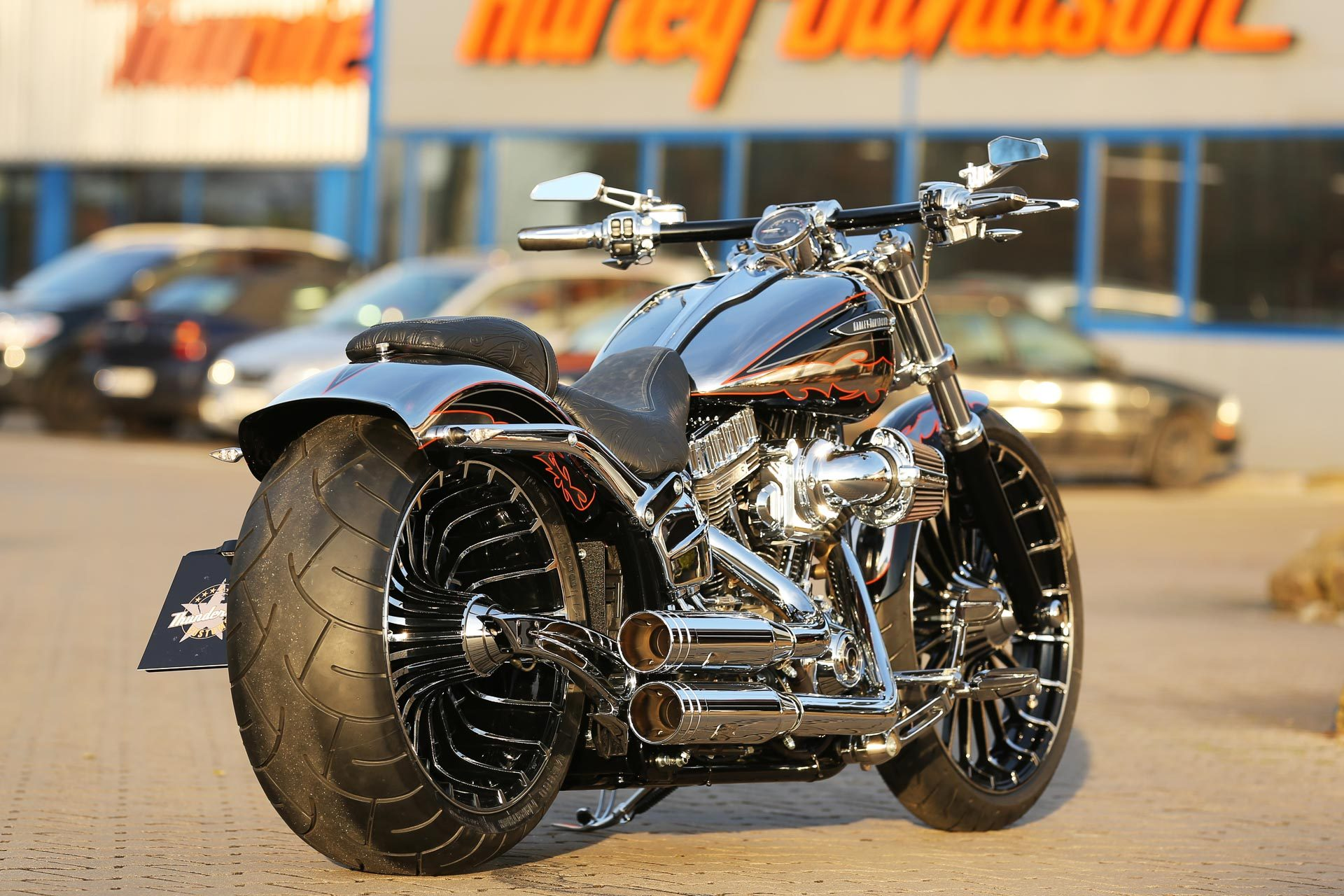 thunderbike cvo h d breakout fxsbse softail custom umbau. Black Bedroom Furniture Sets. Home Design Ideas