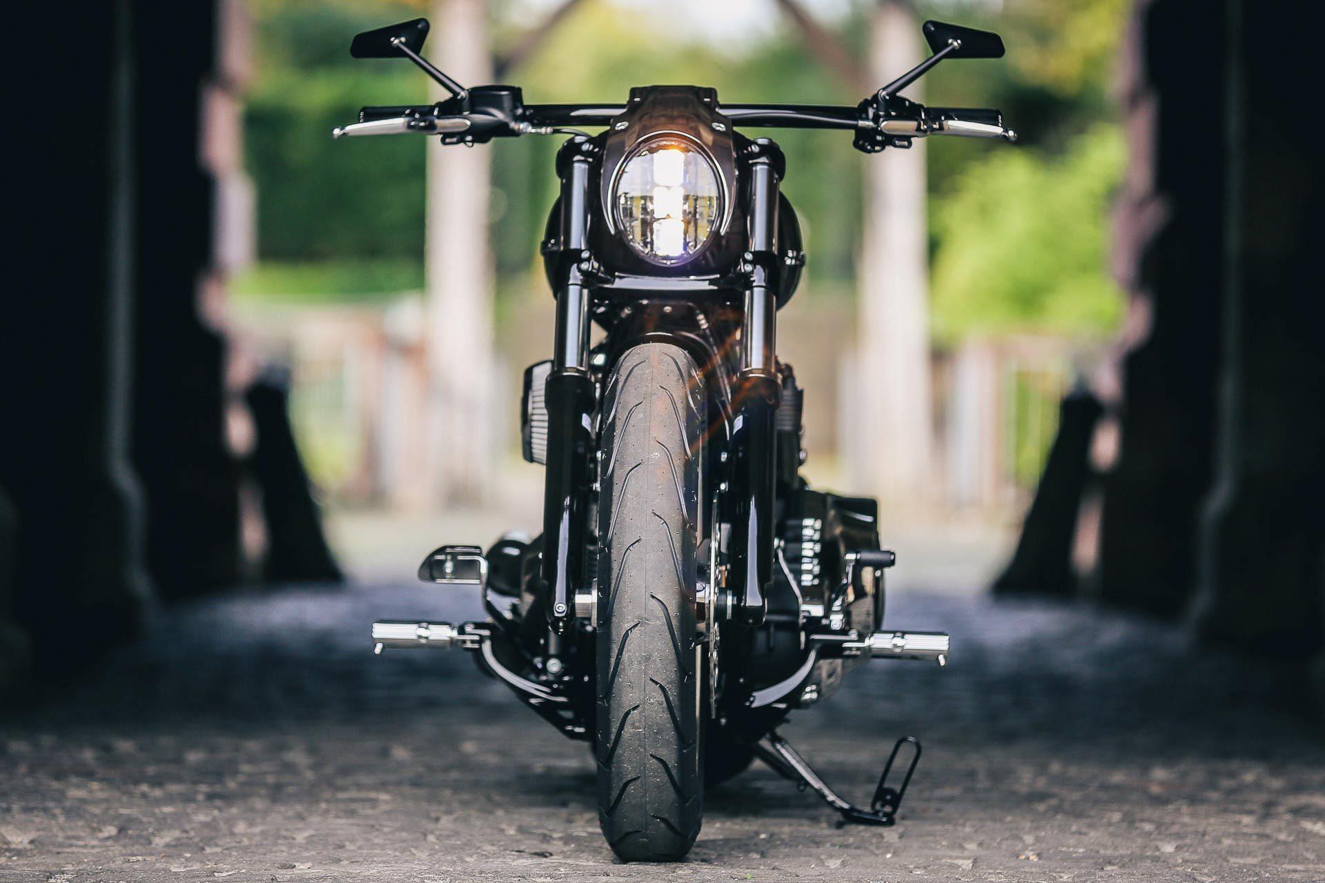 Thunderbike Chromehead H D Breakout Fxbrs Softail Custom Umbau Harley Dyna Fuse Box Cover Andere Verbaute Parts Wie Der Heckfender Steel Mit Integriertem Led Brems Und Blinklicht Den Dazu Passenden Sitz Alu Stretchtank