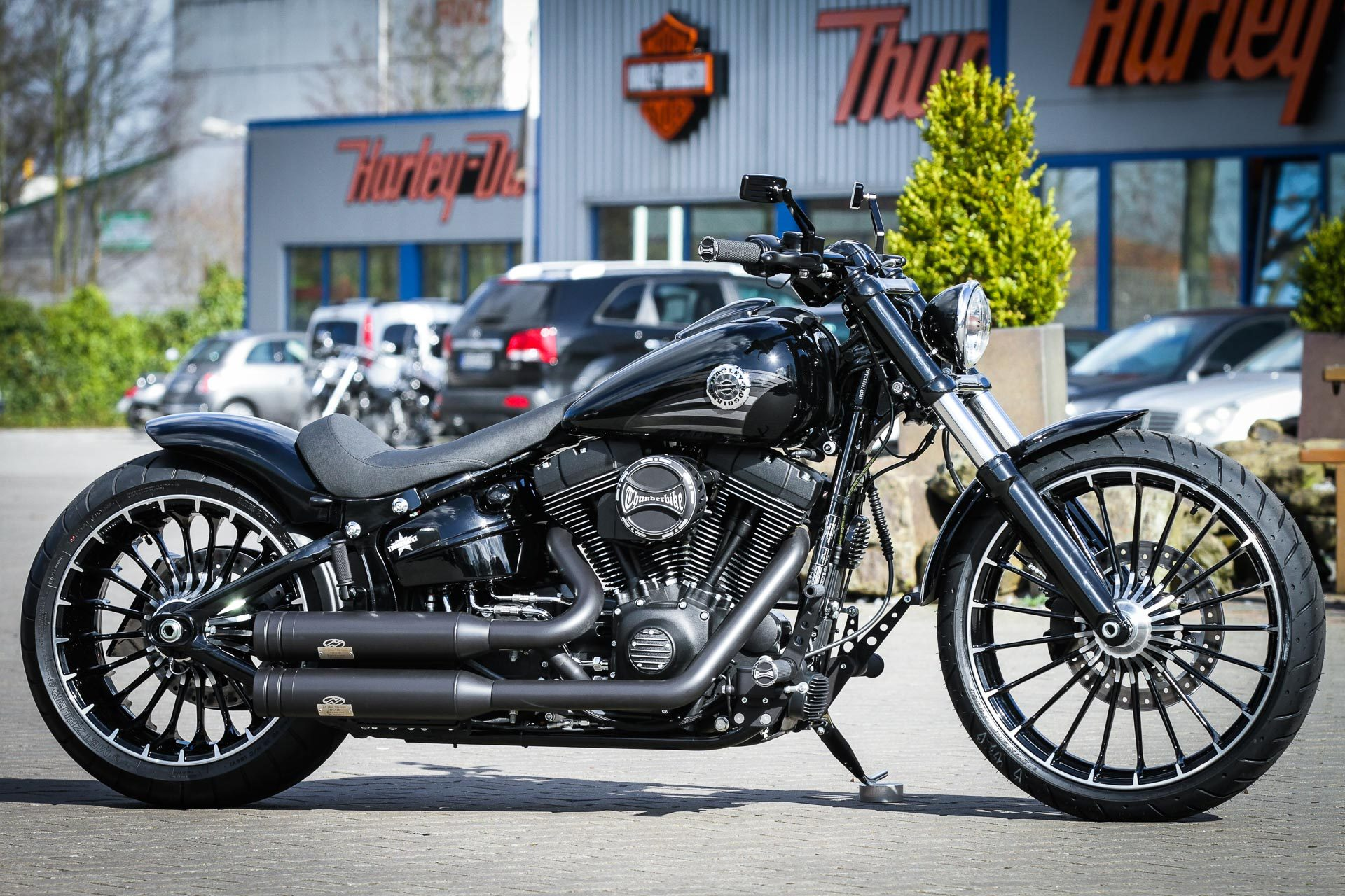 thunderbike new steel h d breakout fxsb softail custom umbau. Black Bedroom Furniture Sets. Home Design Ideas